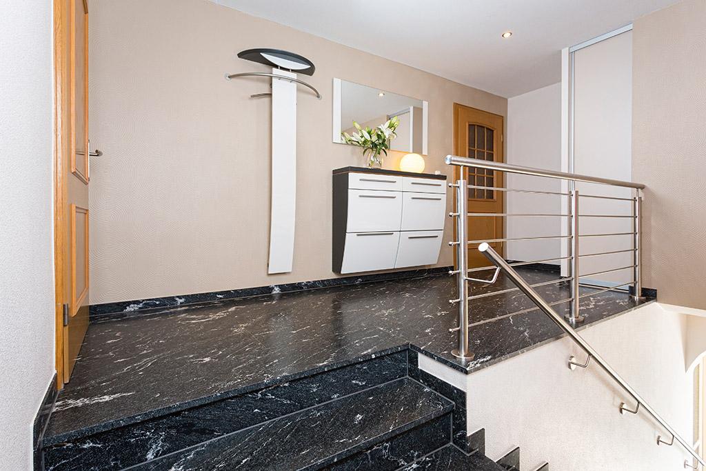 natursteine hochwertig individuell und ma gefertigt nach ihren w nschen h usner bau. Black Bedroom Furniture Sets. Home Design Ideas